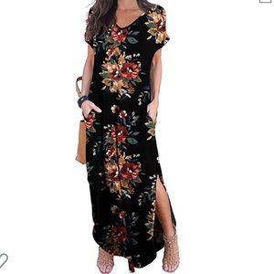 Dresses & Skirts - Maxi floral print dress
